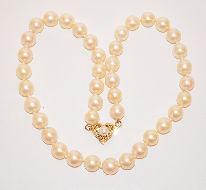 CLASSIC CULTURED PEARL NECKLACE
