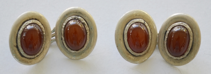 CARNELIAN & SILVER OVAL CUFF LINKS