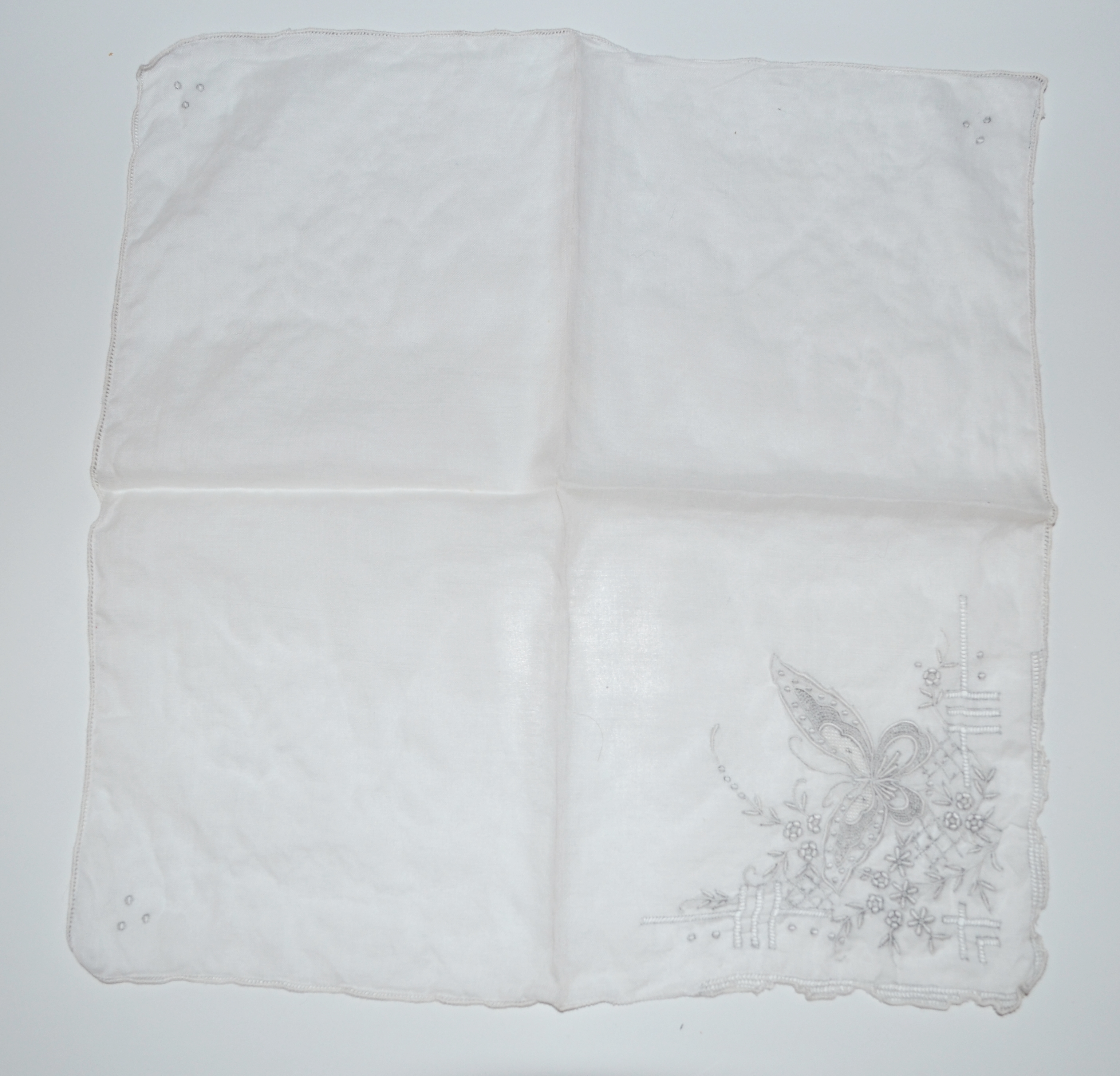 EMBROIDERED BUTTERFLY ON WHITE LINEN HANKIE